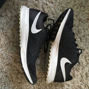 """Nike Running Shoes """"Neutral Ride Response"""""""